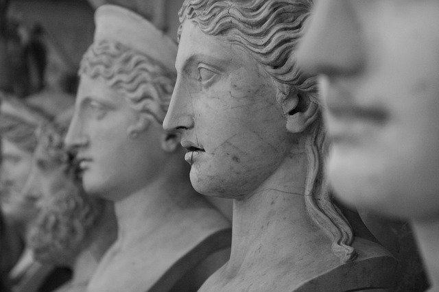 Tour virtuale musei vaticani quarantena. Teste scolpite